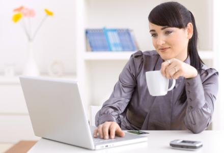 4-Woman Online Shopping
