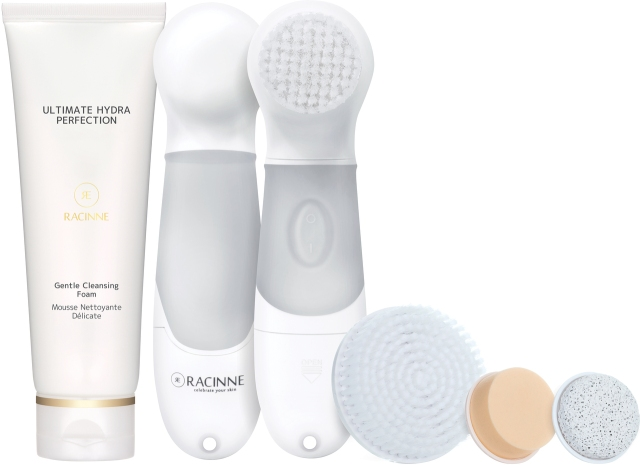 LadyI_with_cleansing_foam__82563.1405753167.1280.1280