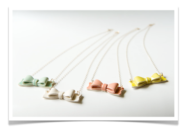 Rosslab Bow Necklace