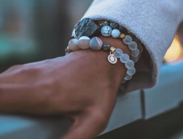 hen-jewelry