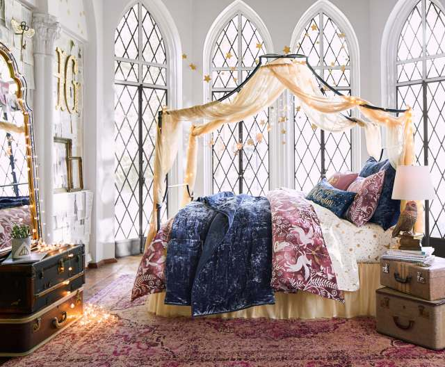 Harry-Potter-for-PBteen-Magical-Damask-Bedroom